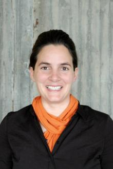 Vertr. Prof. Nina Gribat